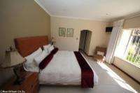 Suite 4 (King Suite)