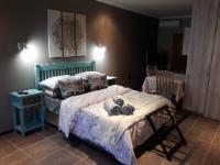 Wisteria Lane - Room 8