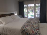 Luxury King/Twin Room Lavender room