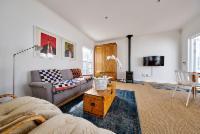 Courtyard Cottage Suite 1