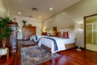 Luxury Family Queen Room