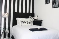 Single Suite - Black