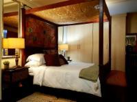 Deluxe Moroccan Room