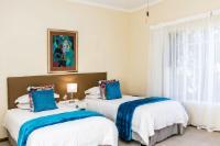 Turquoise Twin En-Suite Bath