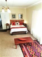 Sunroom Queen Bed En-Suite