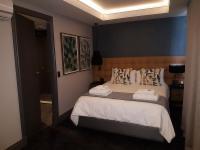 2 Sleeper Loft (1 queen room silver)